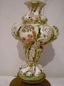 Beautiful Vintage Italian Capodimonte Lamp With Cherubs