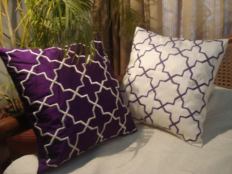 Modern Purple And White Mughal Goemetrics Cushion-a Set Of