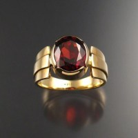 Garnet men's ring 14k Gold size 9 large oval stone bezel