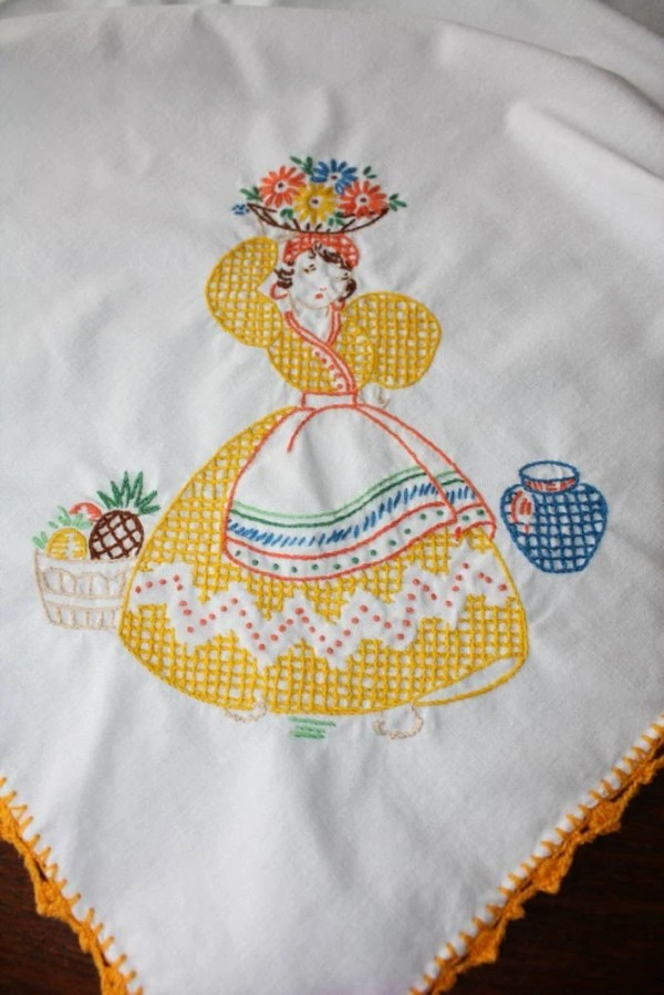 Vintage Mexican Embroidered Tablecloth by EmeliasHouseOfLinens