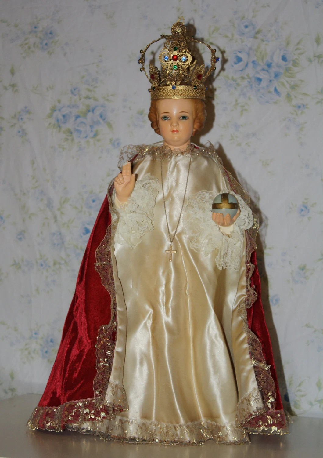 Sale Vintage Infant Jesus Of Prague Statue Glass By