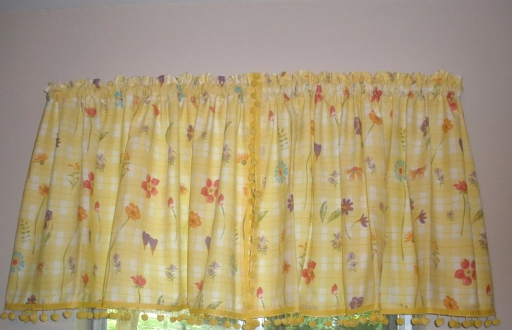Vintage Kitchen Curtains Yellow White Flowers