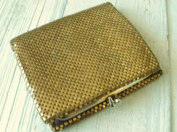 Vintage metallic mesh womens wallet coin purse - AVelvetLeaf