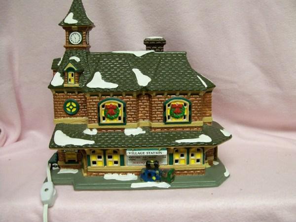Vintage Christmas Snow Village Train Station Department 56