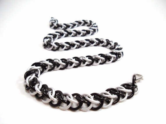 Chainmail Necklace Black White Half Persian by