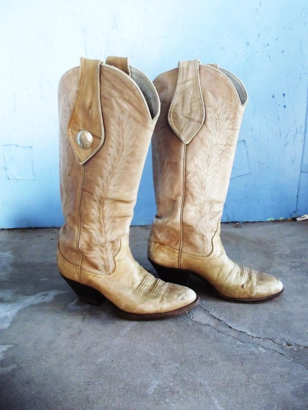Vintage Tall Boots Cream Leather Cowboy Boots with a Silver