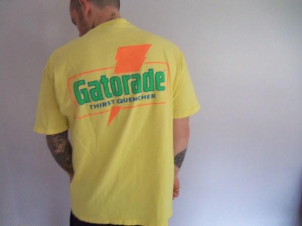 Vintage Gatorade Bright T-shirt Size Xlarge