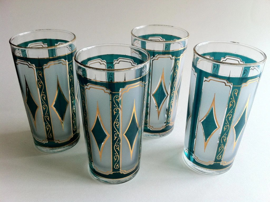 red kitchen table set sink cabinets 1950s drinking glasses teal and gold diamond tumblers