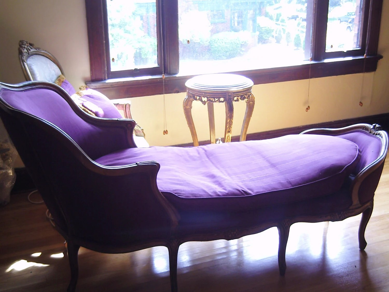 fainting sofa purple best bed brands uk french couch hollywood regency