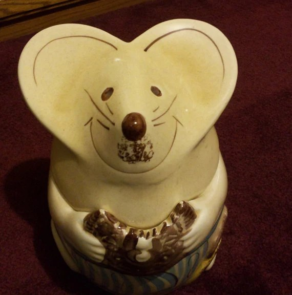 Vintage mouse cookie jar by myabbiesattic on Etsy