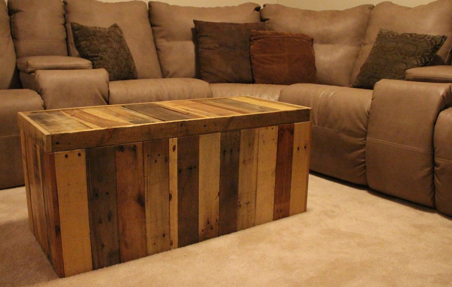 Divano Furniture Reviews Storage Chest Made From Shipping Pallets