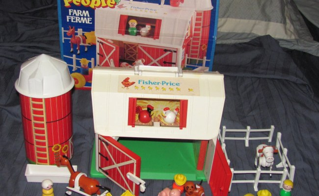 Vintage 1986 Fisher Price Little People Farm By