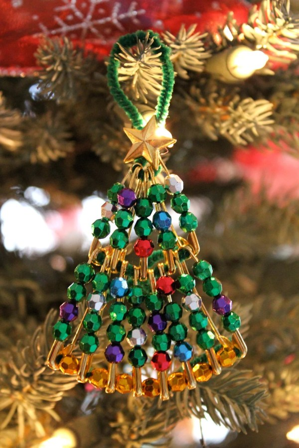 Kits Beaded Safety Pin Christmas Tree