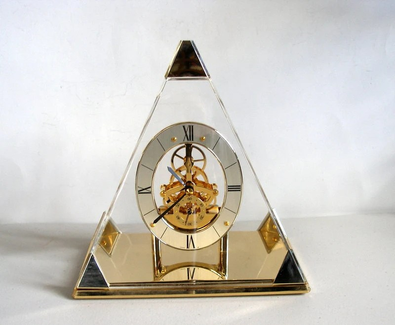 Vintage SEIKO Pyramid Skeleton Clock Quartz Model QAW109G
