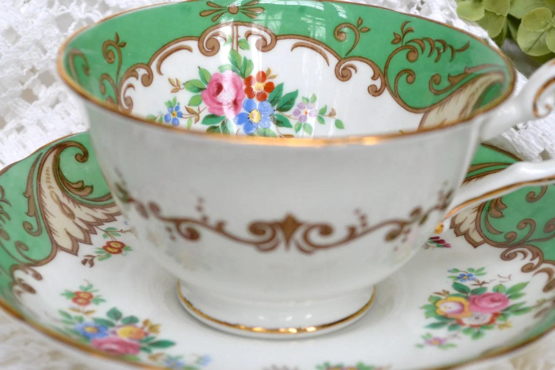 Vintage Tuscan Fine Bone China Tea Cup and Saucer Gold Gilt