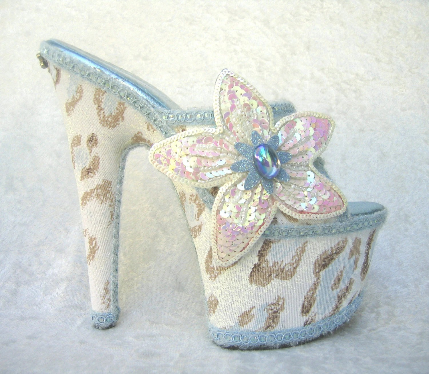 "White & Light Blue ""Hawaiian"" Print Platform Shoe With Big Sequin Flower - noelleborelli"