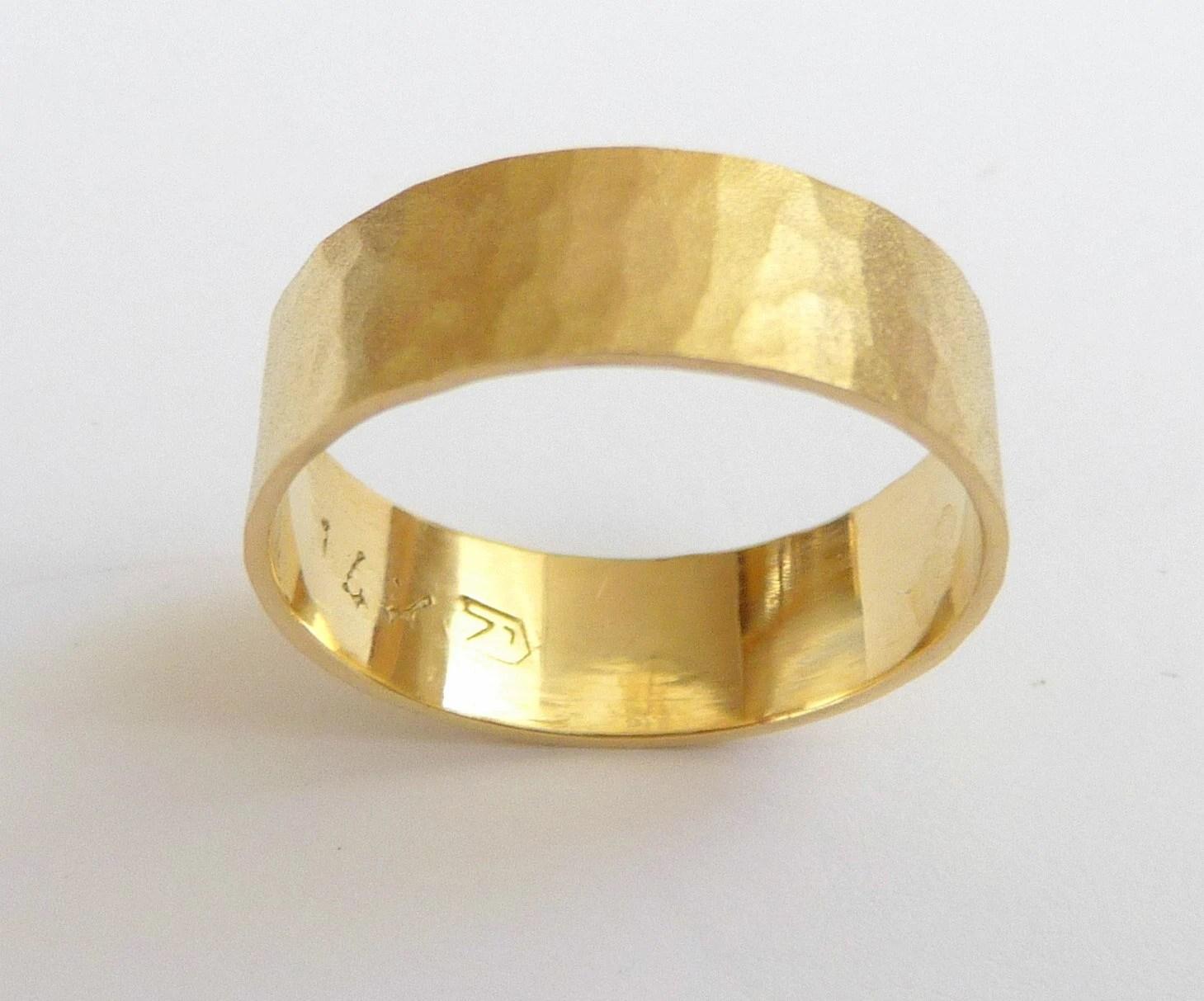 Gelbes gold Mens Eheringe Frauen Ehering gehmmert flach mit