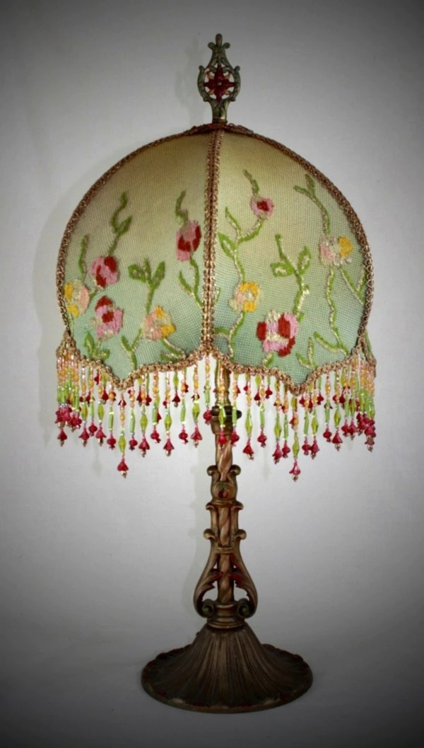Hold Bffd Antique Lamp Handsewn Lampshade Flower Garden