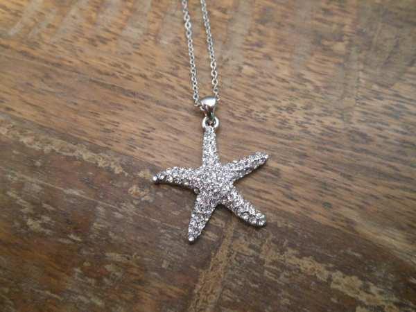 Rhinestone Starfish Necklace Silver