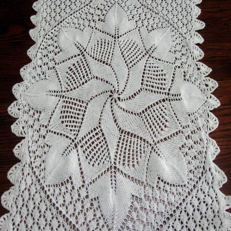 Vintage Doily Dresser Scarf Hand Knit Table Topper Star Design