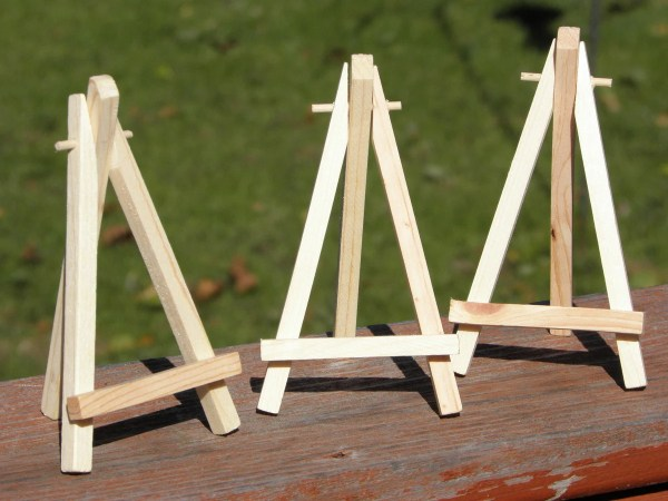 Small Display Easels Stands