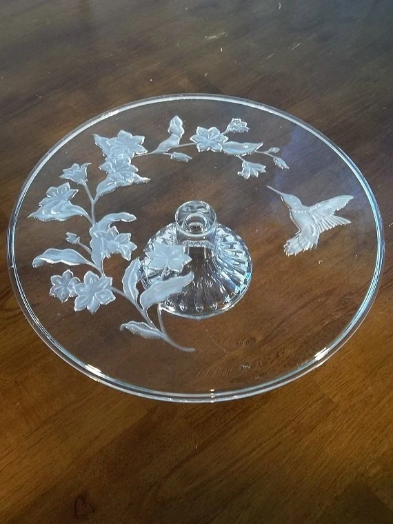 Items similar to Vintage Avon Hummingbird Leaded Crystal