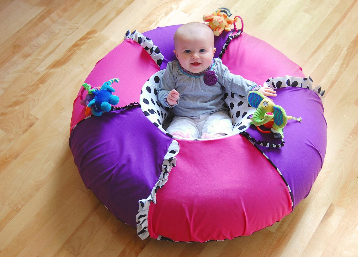 Baby sit and play tube Sit me up donut Inflatable seat by