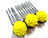 Bright Yellow and Black Flower Comb - MegansBeadedDesigns