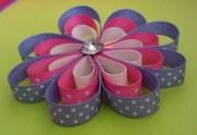 flower girls hair bow. daisy