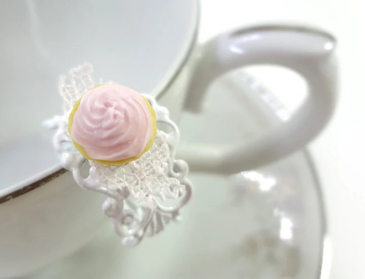 Light Pink Cupcake Ring - Glamour365
