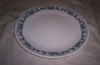 8 vintage corelle dinner plates blue onion by robinsvintage