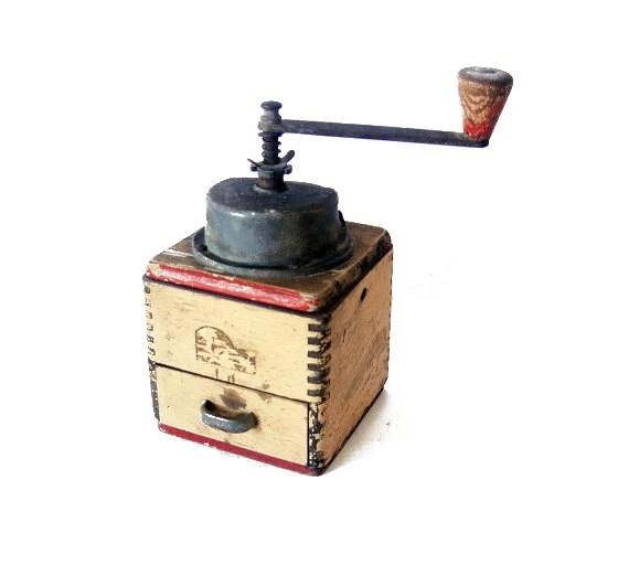 Vintage wood coffee grinder - wood mill and metal - brown coffee grinder - wwvintage