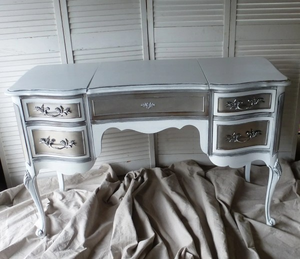 Deposit Vanity Paris Apartment Ladies Desk Make- Table