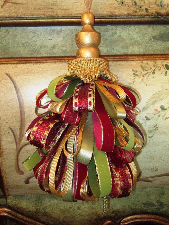 Victorian  Gold Decorative Tassel 1