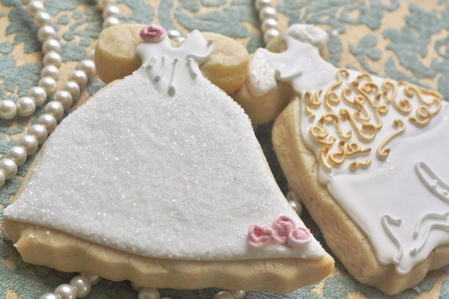 Items Similar To Bodiced Wedding Gown Decorated Sugar