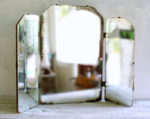 Vintage Minimalist Trifold Vanity Mirror