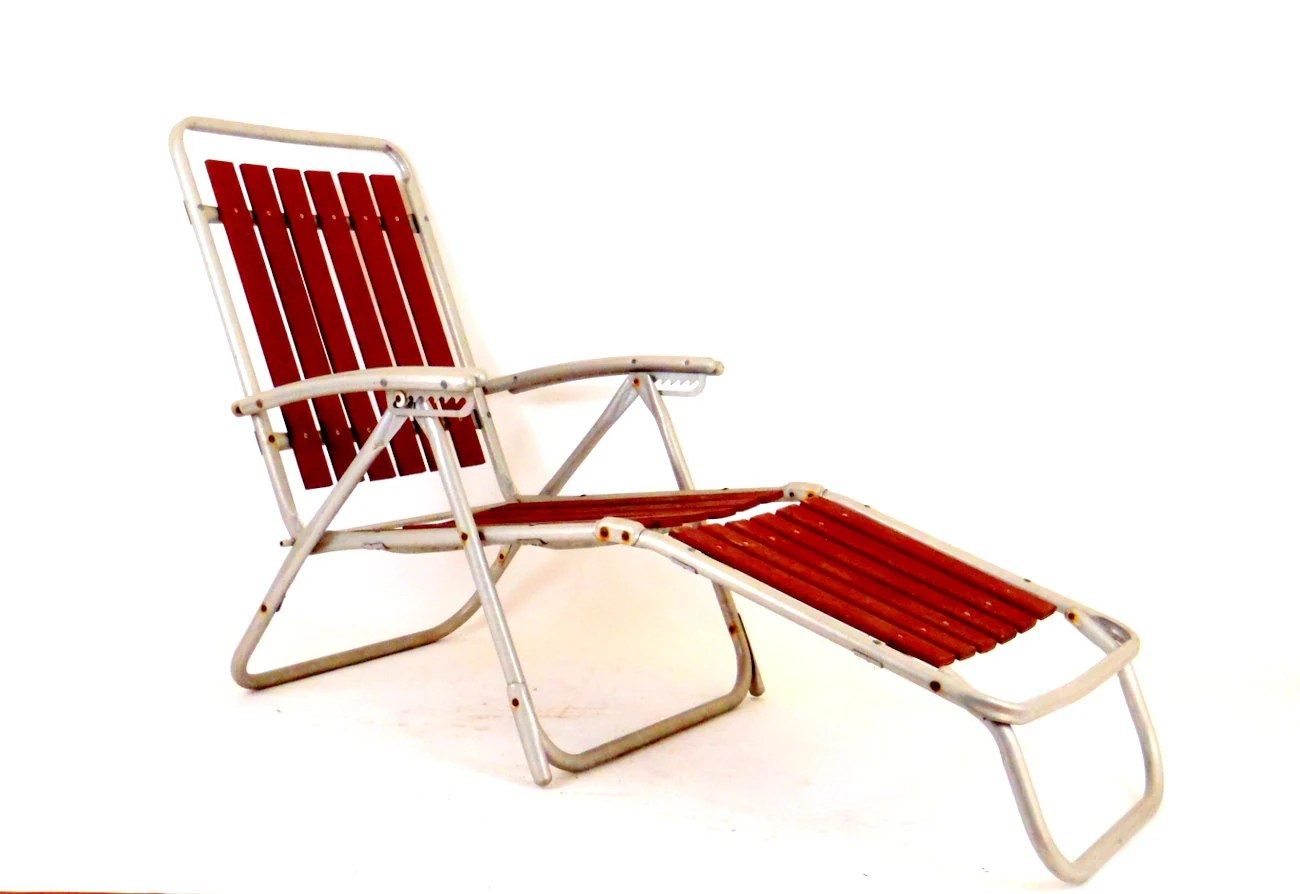 folding aluminum lawn chairs pool chair floats wooden chaise lounge