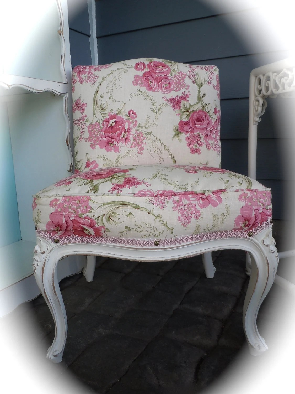 Shabby Chic Vintage Upholstered Slipper Chair in White Pink