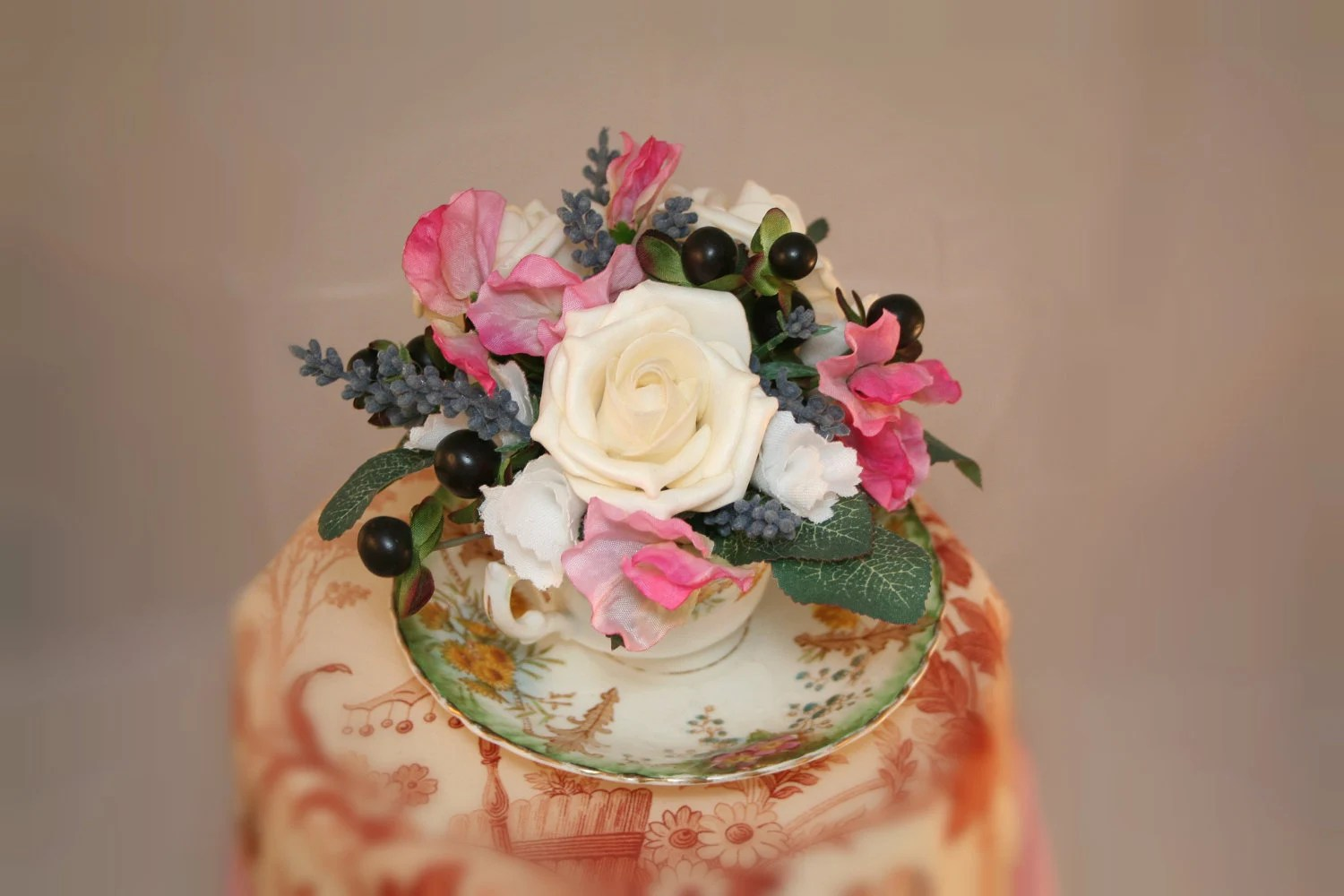 Wedding Cake Toppers: Floral Wedding Cake Toppers