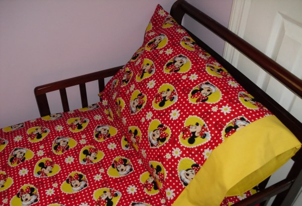 Red Minnie Mouse Toddler Bedding