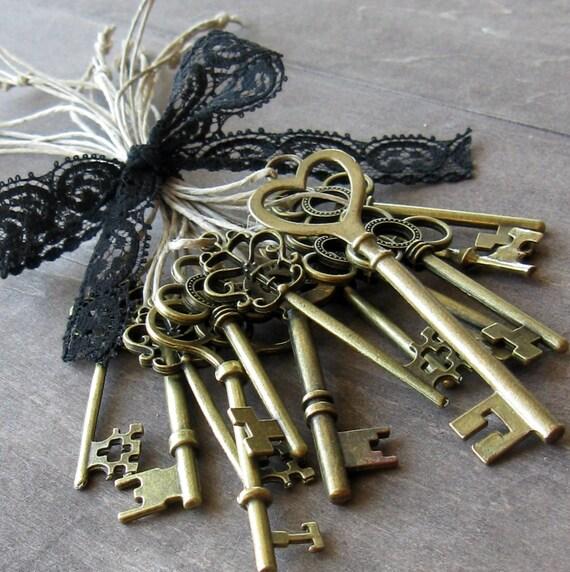 Skeleton key favors 13 skeleton key wedding favors gift tie