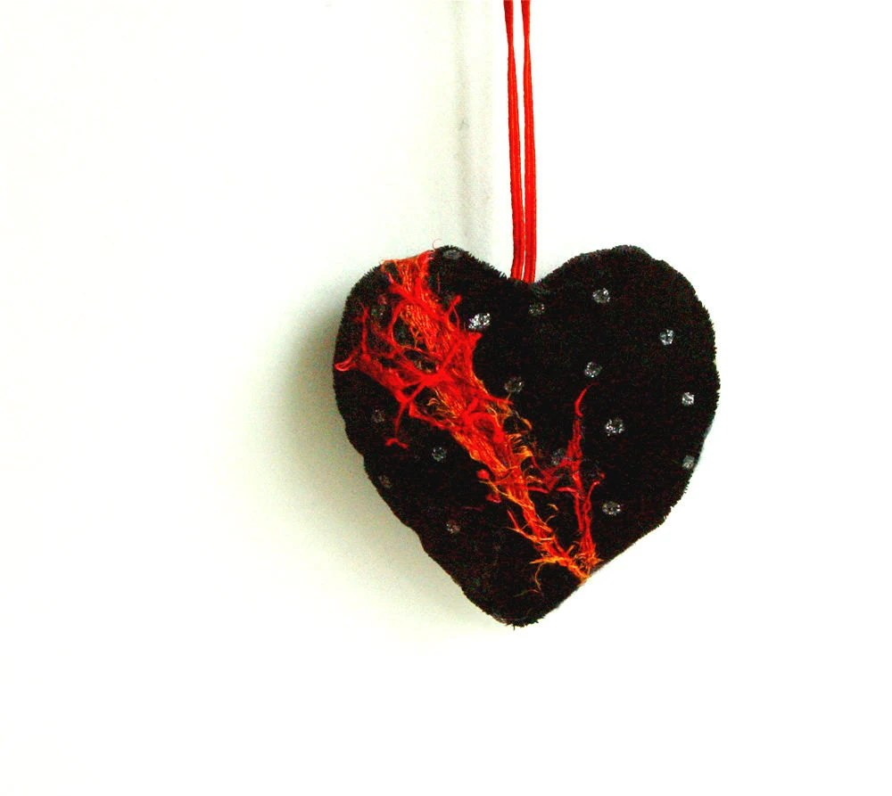 QUILTED HEART, Textile Ornament, Red Black, Embroidered Heart, Perfect Gift - BozenaWojtaszek
