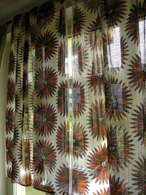 Pair Of Retro 1970s Net Curtains Vintage 1960s Retroberlin