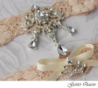 Items similar to Wedding garter set, Ivory Lace Bridal ...