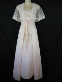 lace peignoir set. 1970's pink lace wedding nightgown and