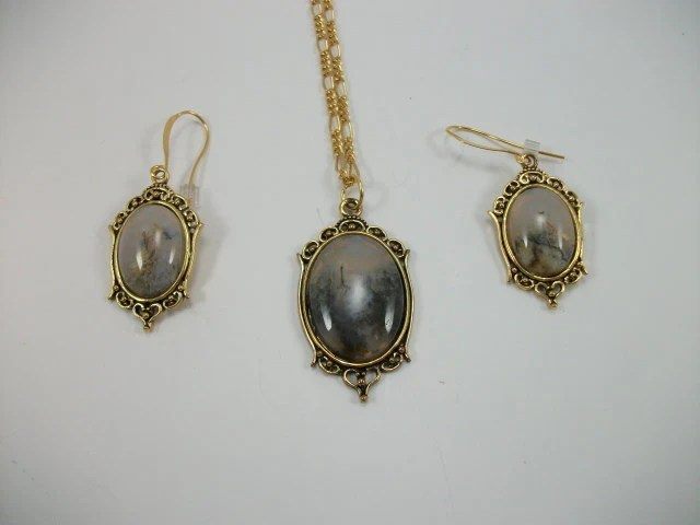 "Idaho""old mine"" Graveyard Point Regency Rose agate necklace and earring set"