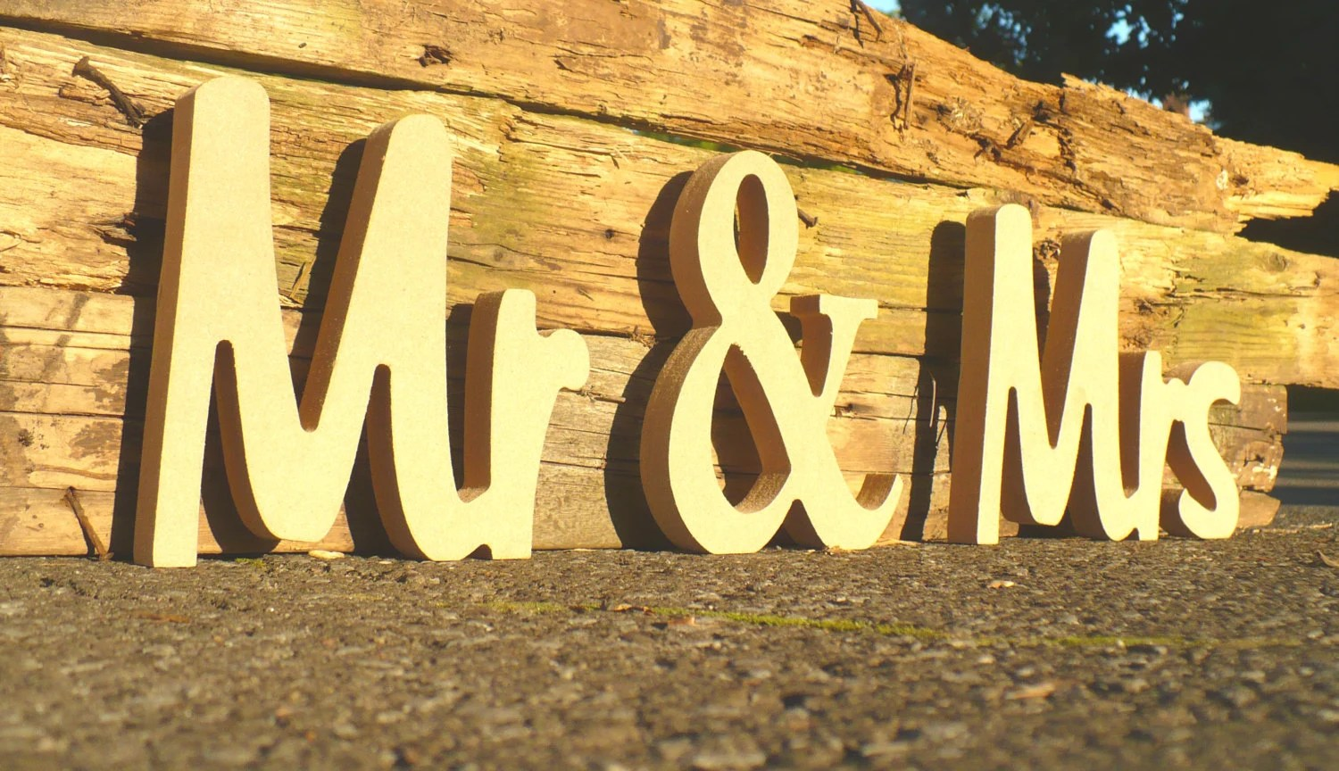 Unpainted Mr & Mrs Wedding Sign. Custom Wooden Wedding Table