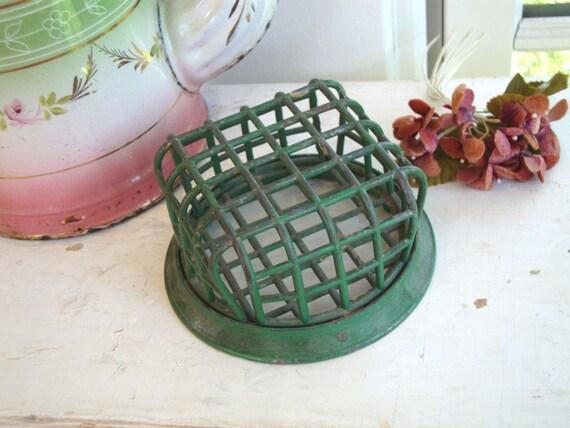 VINTAGE FLOWER FROG Vogue Holder Cage Flower Holder
