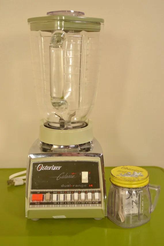 Osterizer Blender Galaxie Dual Range 14 Speed Light Avocado