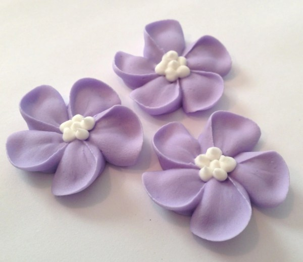 Lot Of 100 Royal Icing Flowers Cake Decorating Sugar